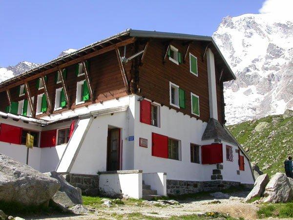 webcam rifugio zamboni zappa monte rosa